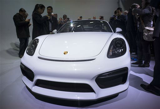 "<div class=""meta image-caption""><div class=""origin-logo origin-image none""><span>none</span></div><span class=""caption-text"">The Porsche Boxster Spyder is photographed during a debut at the New York International Auto Show (AP Photo/ Craig Ruttle)</span></div>"