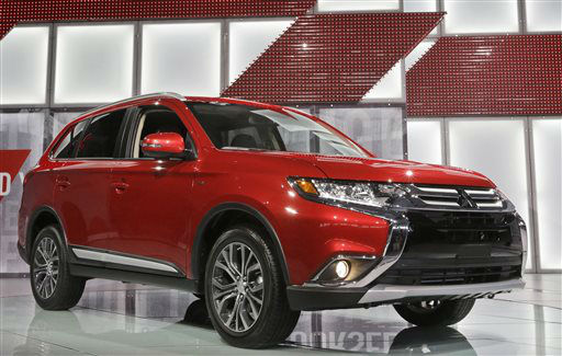 "<div class=""meta image-caption""><div class=""origin-logo origin-image none""><span>none</span></div><span class=""caption-text"">The Mitsubishi Outlander is presented at the New York International Auto Show (AP Photo/ Mary Altaffer)</span></div>"
