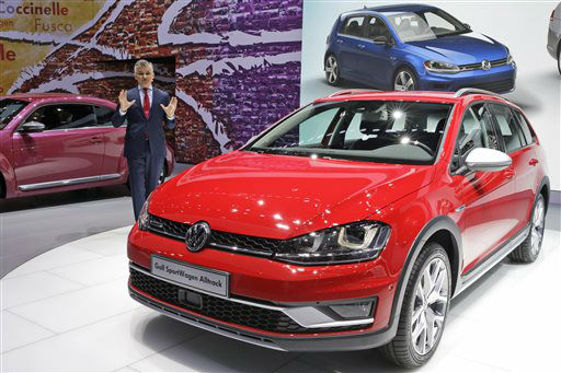 "<div class=""meta image-caption""><div class=""origin-logo origin-image none""><span>none</span></div><span class=""caption-text"">The Volkswagen Alltrack SportWagen is presented at the New York International Auto Show (AP Photo/ Mary Altaffer)</span></div>"