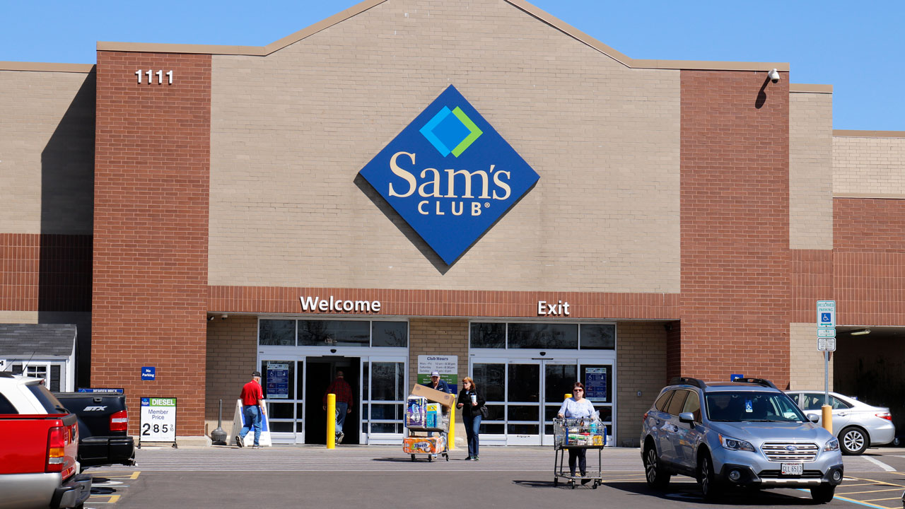 Christina Batista Sues Sam S Club In Conroe After Being Forced To Wear Face Mask Abc13 Houston