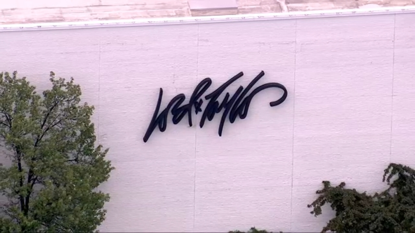 Lord & Taylor parent company files for Chapter 11 amid coronavirus pandemic