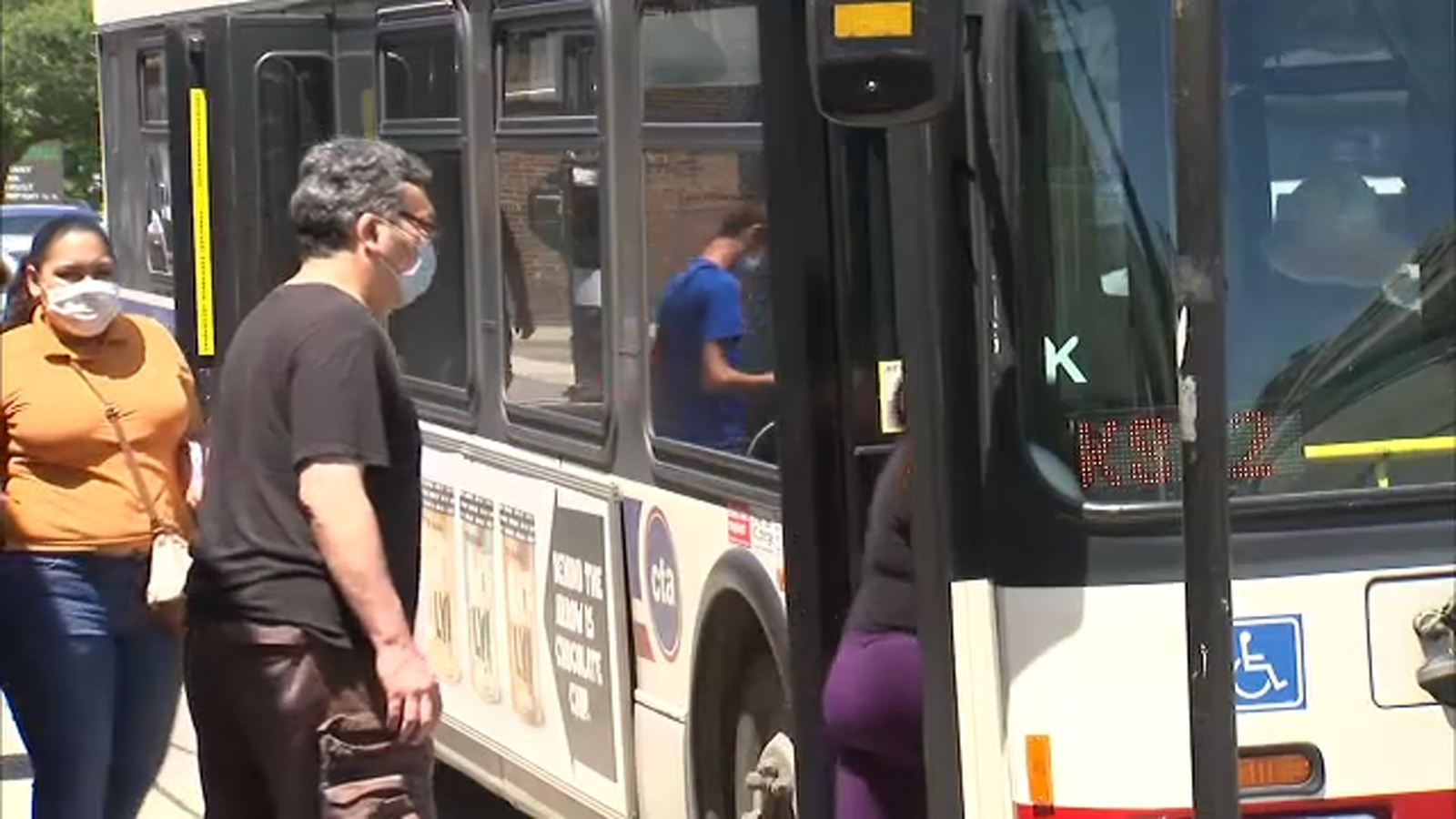 Chicago CTA bus drivers say many riders not wearing masks, ask for help from Mayor Lightfoot