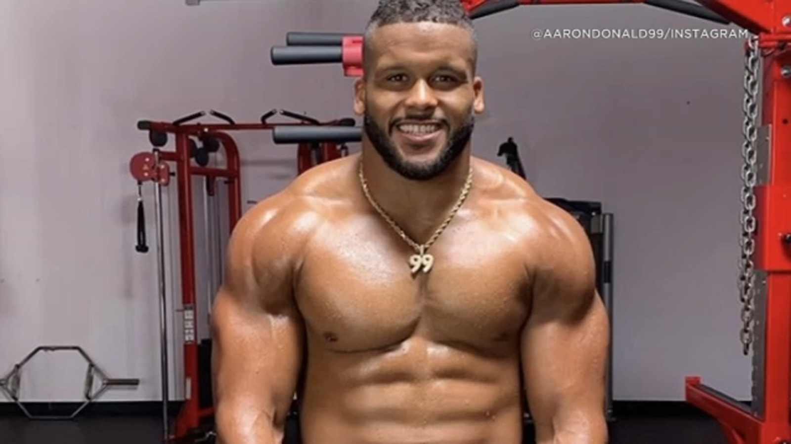 Aaron Donald Rams All Pro Tackle Grinding Every Single Day Ready For Season Abc7 Los Angeles