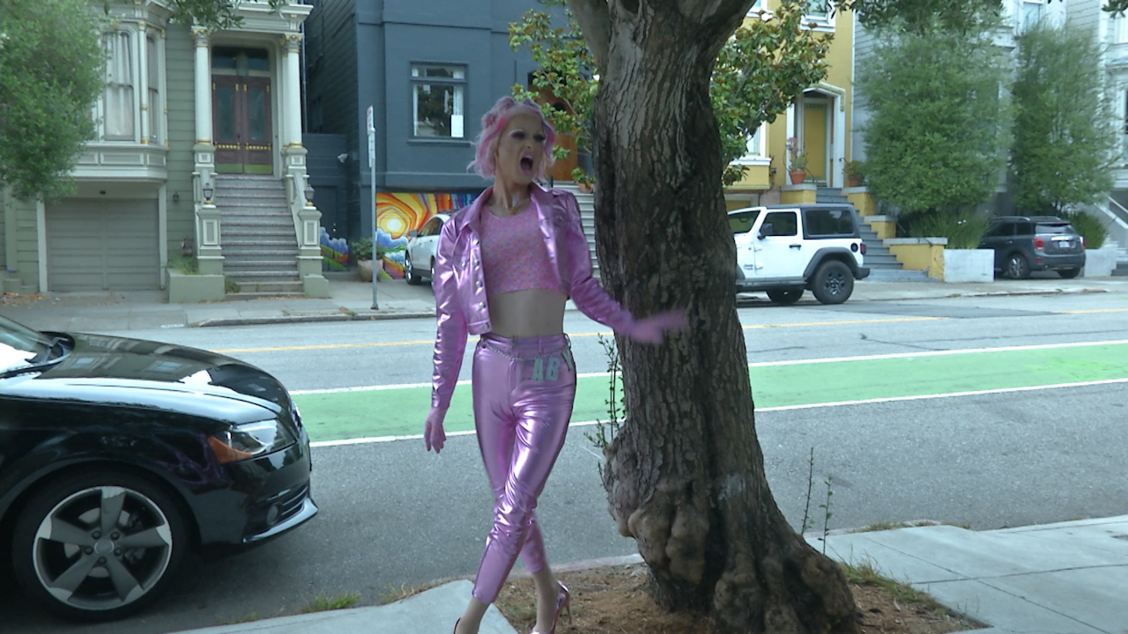 Drag queens with San Francisco's Oasis hit the streets to deliver food with Meals on Heels show