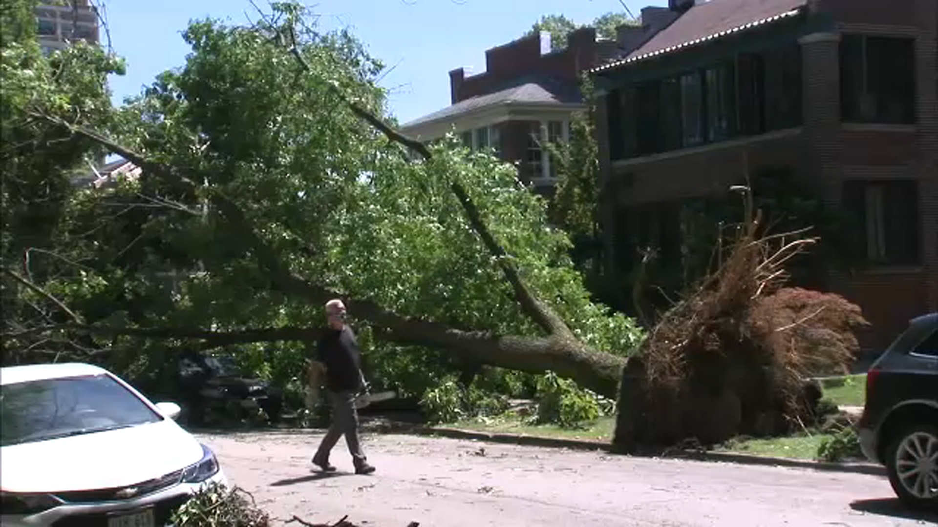 illinois tornado tornadoes confirmed in chicago villa park lombard wheaton oak forest plainfield ottawa during derecho nws says abc7 chicago illinois tornado tornadoes confirmed