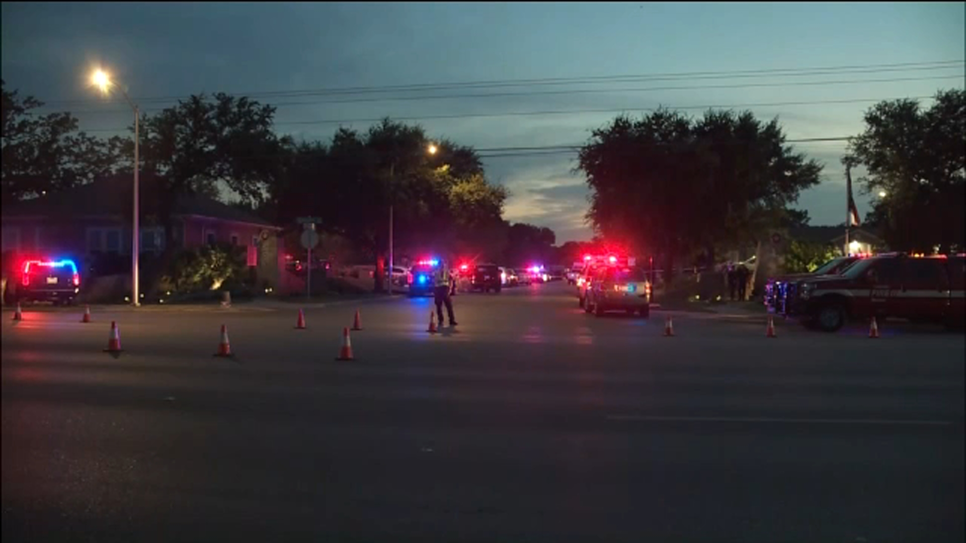 Cedar Park Texas Shooting Hostage Situation Over After 3 Officers Shot Abc13 Houston