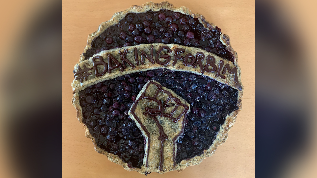 This image shows a photo a cake baked by students of the Baking for Black Lives Matter Bay Area Chapter in Berkeley, California on August 17, 2020.