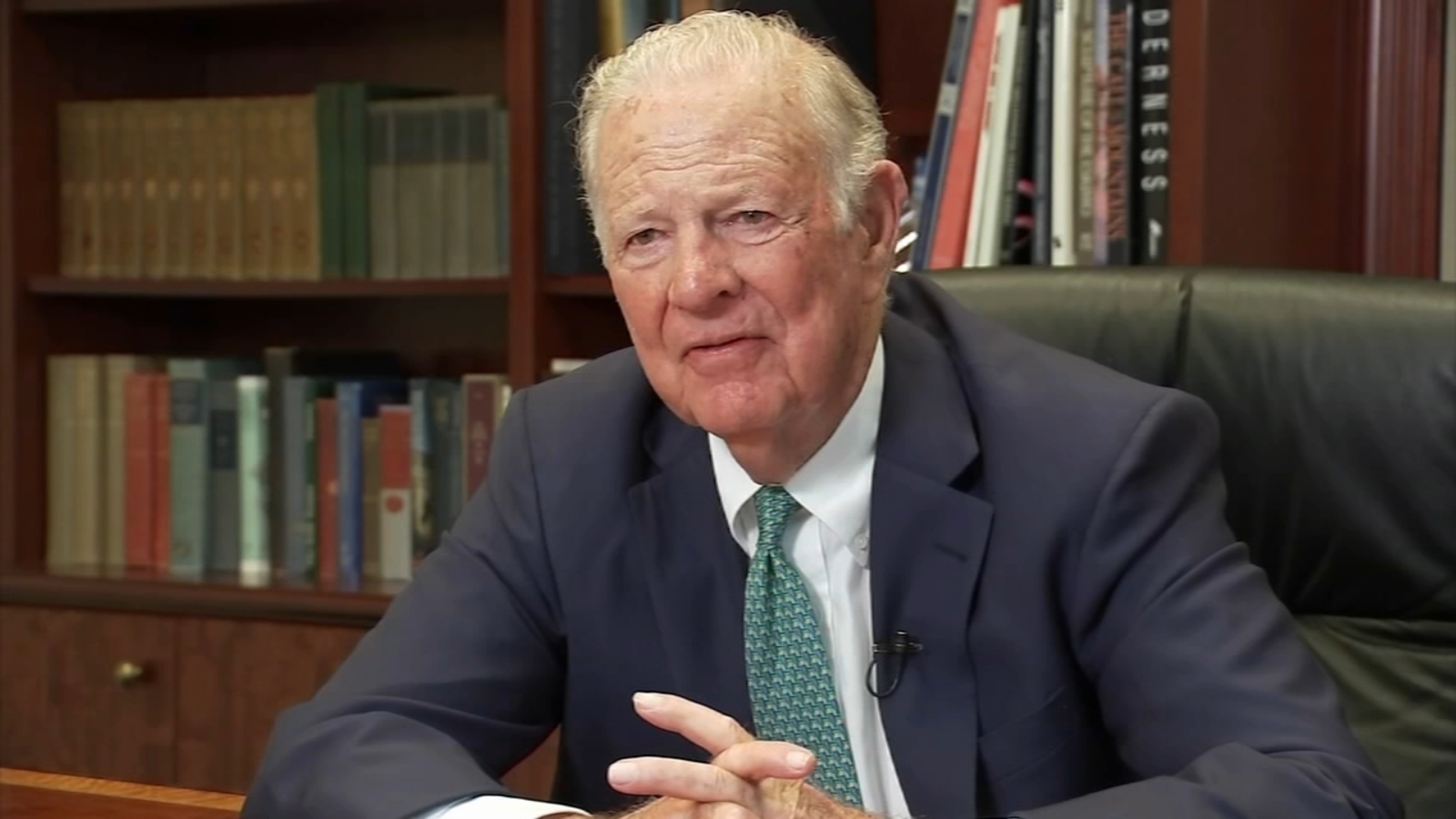 Former Secretary Of State James Baker And Wife Recovering From Covid 19 Abc13 Houston