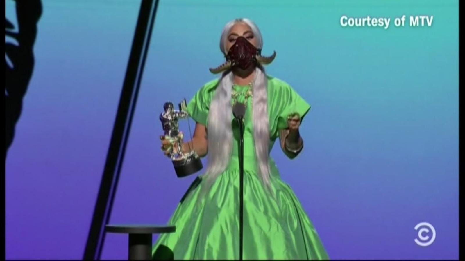 Meet The San Francisco Designer Behind Lady Gaga S Iconic Masks At Mtv S Video Music Awards Abc7 San Francisco