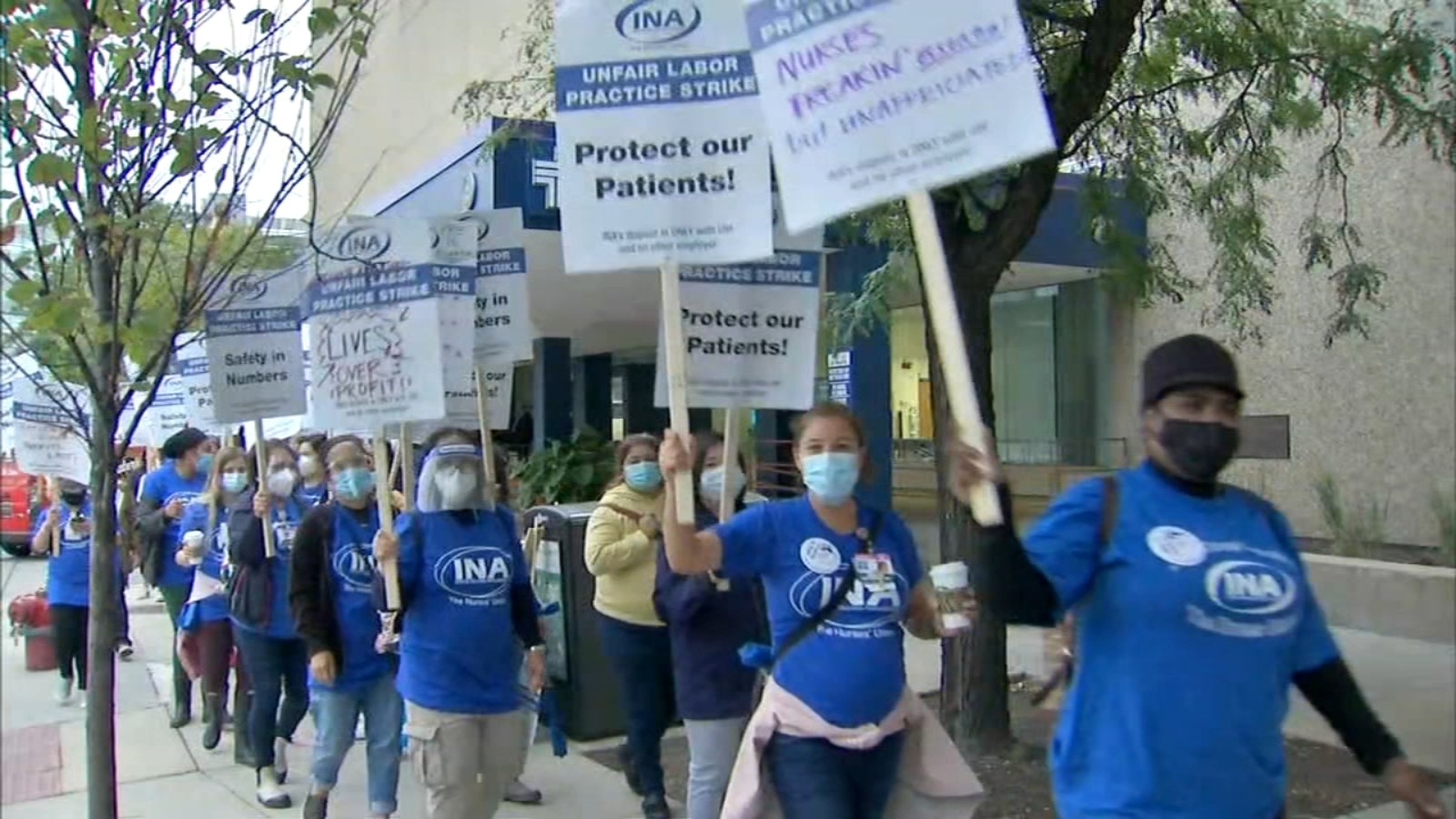 Nurses strike enters 2nd day after more than 800 walk off job at University of Illinois Hospital in Chicago