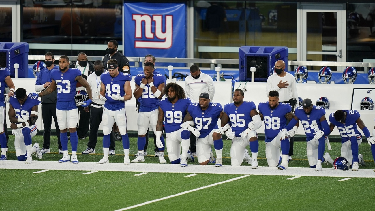 At Least 19 New York Giants Players Kneel During National Anthem Before Monday Opener Abc7 New York