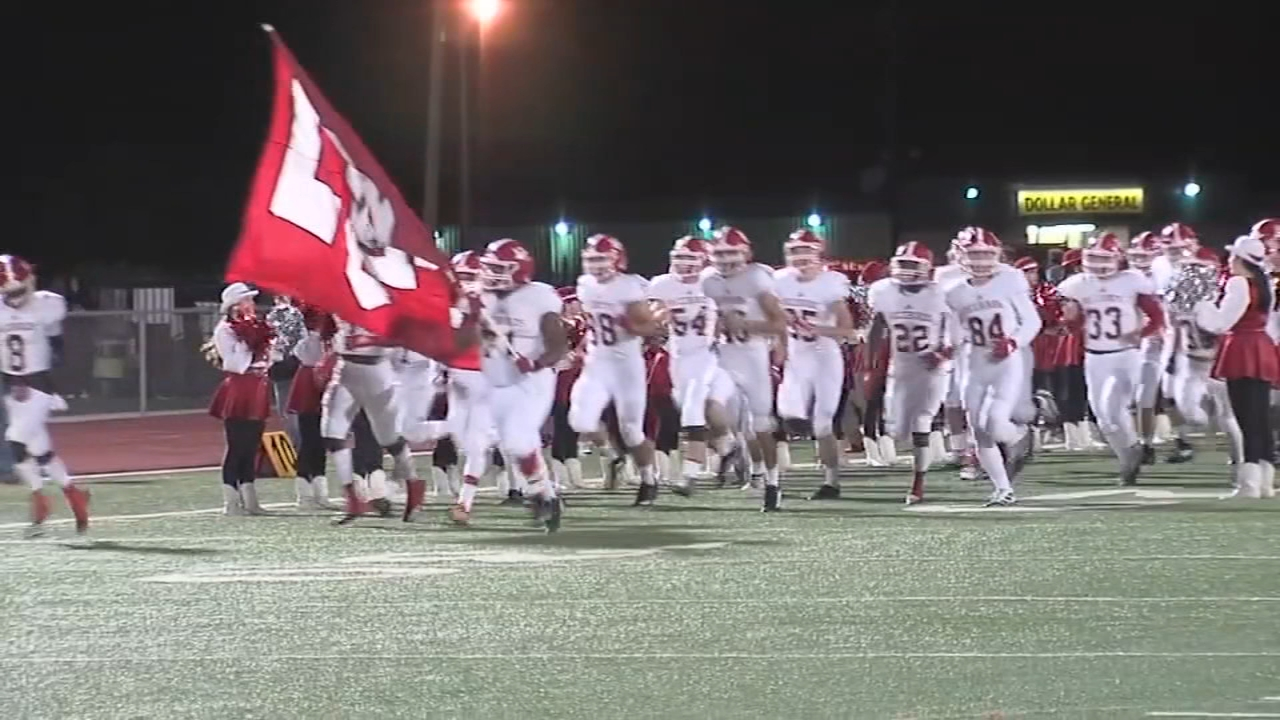 Tensions rise in El Campo over football players' plan to protest