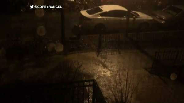"<div class=""meta image-caption""><div class=""origin-logo origin-image none""><span>none</span></div><span class=""caption-text"">Heavy rain and hail falling in Chicago's Lakeview neighborhood. (Corey Rangel)</span></div>"
