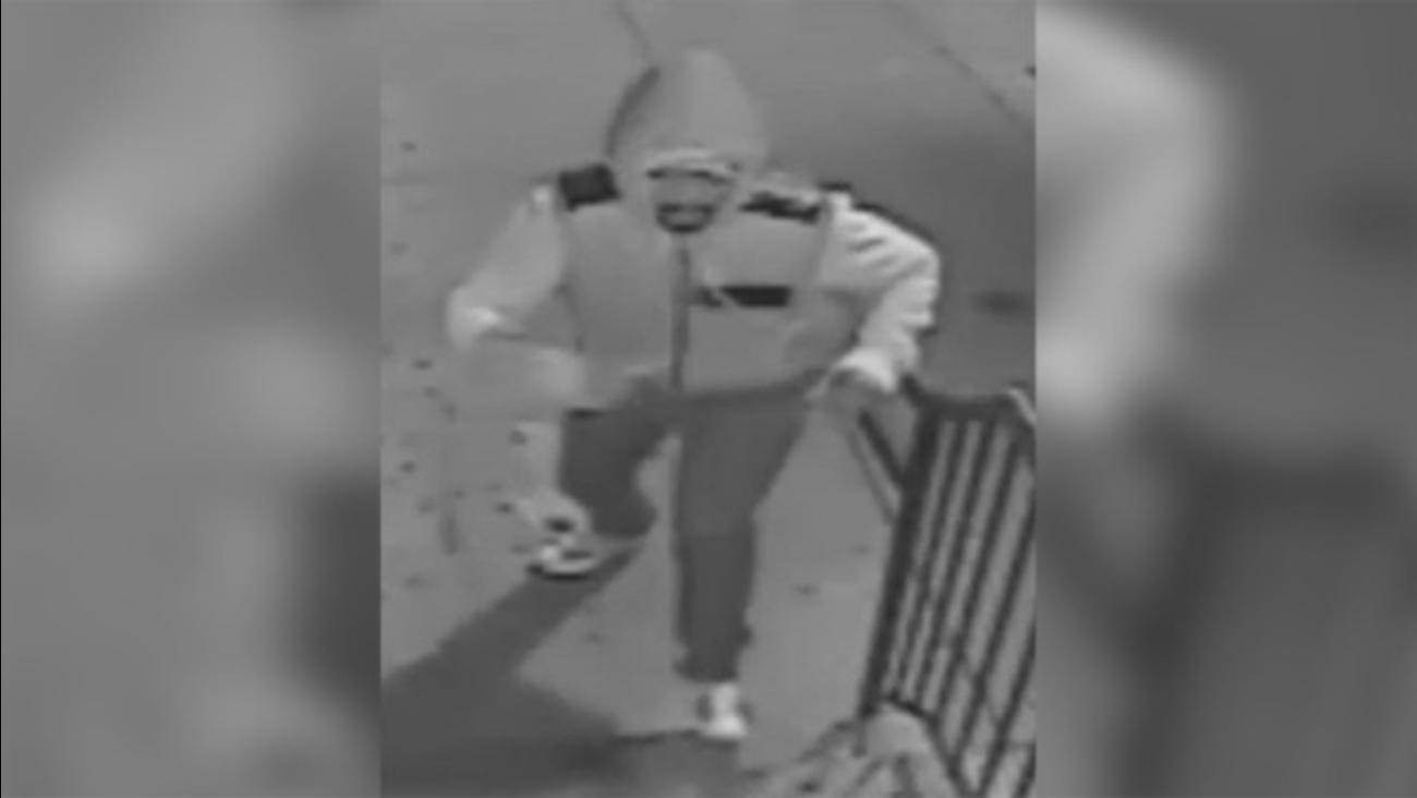 South Street restaurant burglary suspect