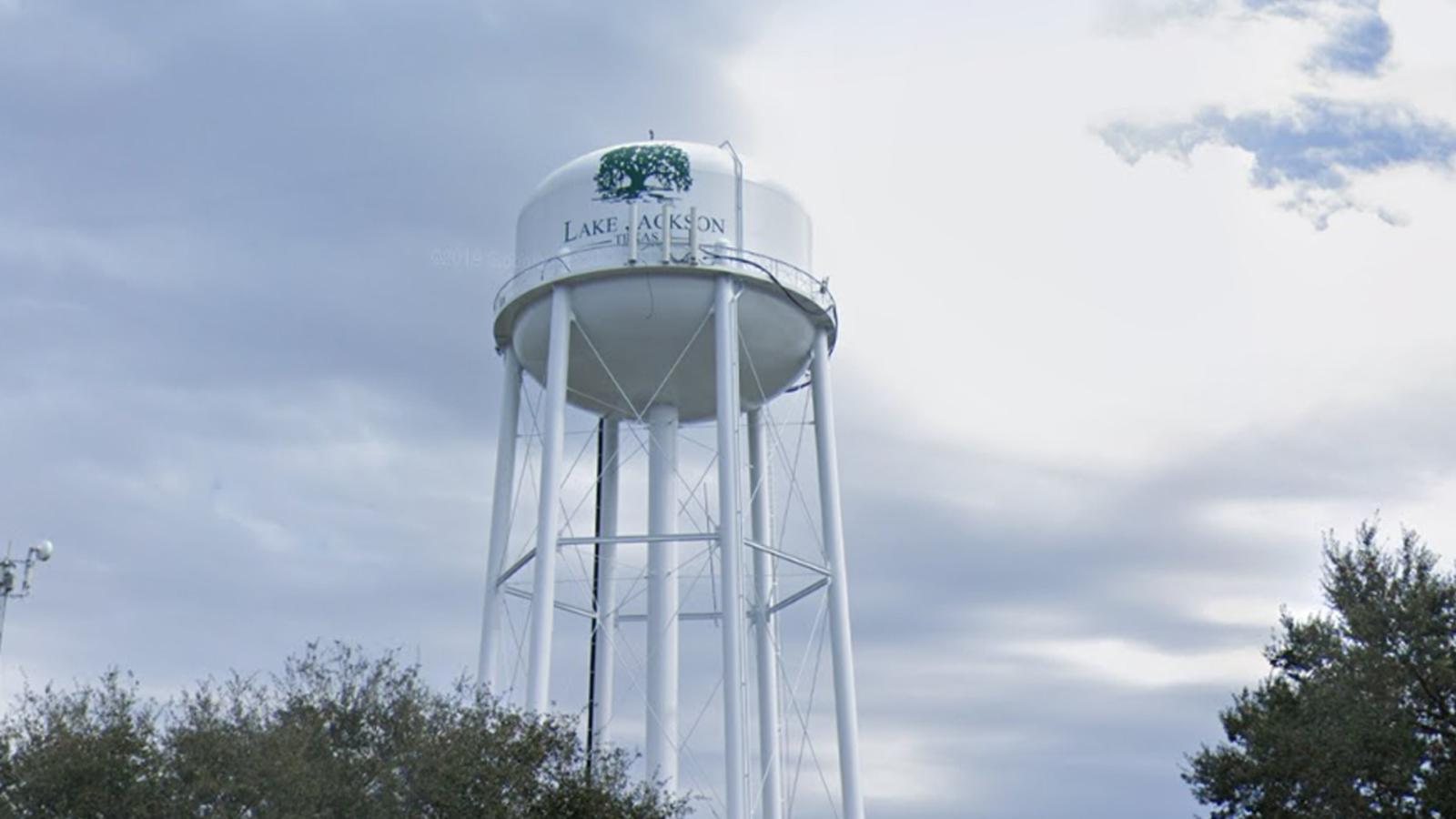 Brain-eating amoeba found in Lake Jackson water supply - KTRK-TV