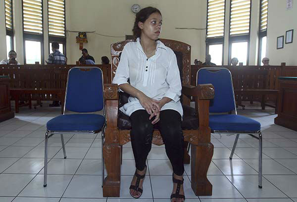 """<div class=""""meta image-caption""""><div class=""""origin-logo origin-image none""""><span>none</span></div><span class=""""caption-text"""">Lawyers representing the American couple argued that there are no evidences of premeditated murder and sought light sentences. (AP Photo/ Firdia Lisnawati)</span></div>"""