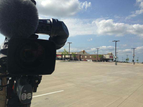 """<div class=""""meta image-caption""""><div class=""""origin-logo origin-image none""""><span>none</span></div><span class=""""caption-text"""">Is there a better location for a live shot than Buc-ee's? (KTRK Photo)</span></div>"""