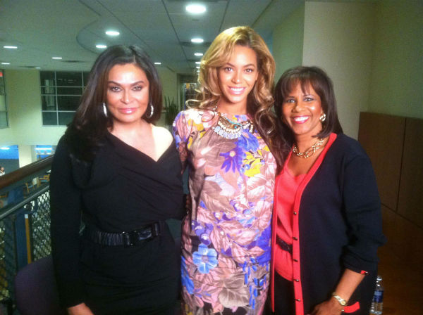 "<div class=""meta image-caption""><div class=""origin-logo origin-image none""><span>none</span></div><span class=""caption-text"">Melanie Lawson with Tina Knowles and Beyonce (KTRK Photo)</span></div>"