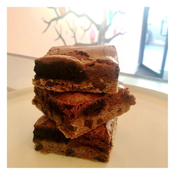 """<div class=""""meta image-caption""""><div class=""""origin-logo origin-image none""""><span>none</span></div><span class=""""caption-text"""">Tu Lu's also added the """"Triple Chocolate Brownie,"""" which has a layers of chocolate chip cookie dough, Oreo batter and dark chocolate brownie. (Jamie Rosenberg)</span></div>"""