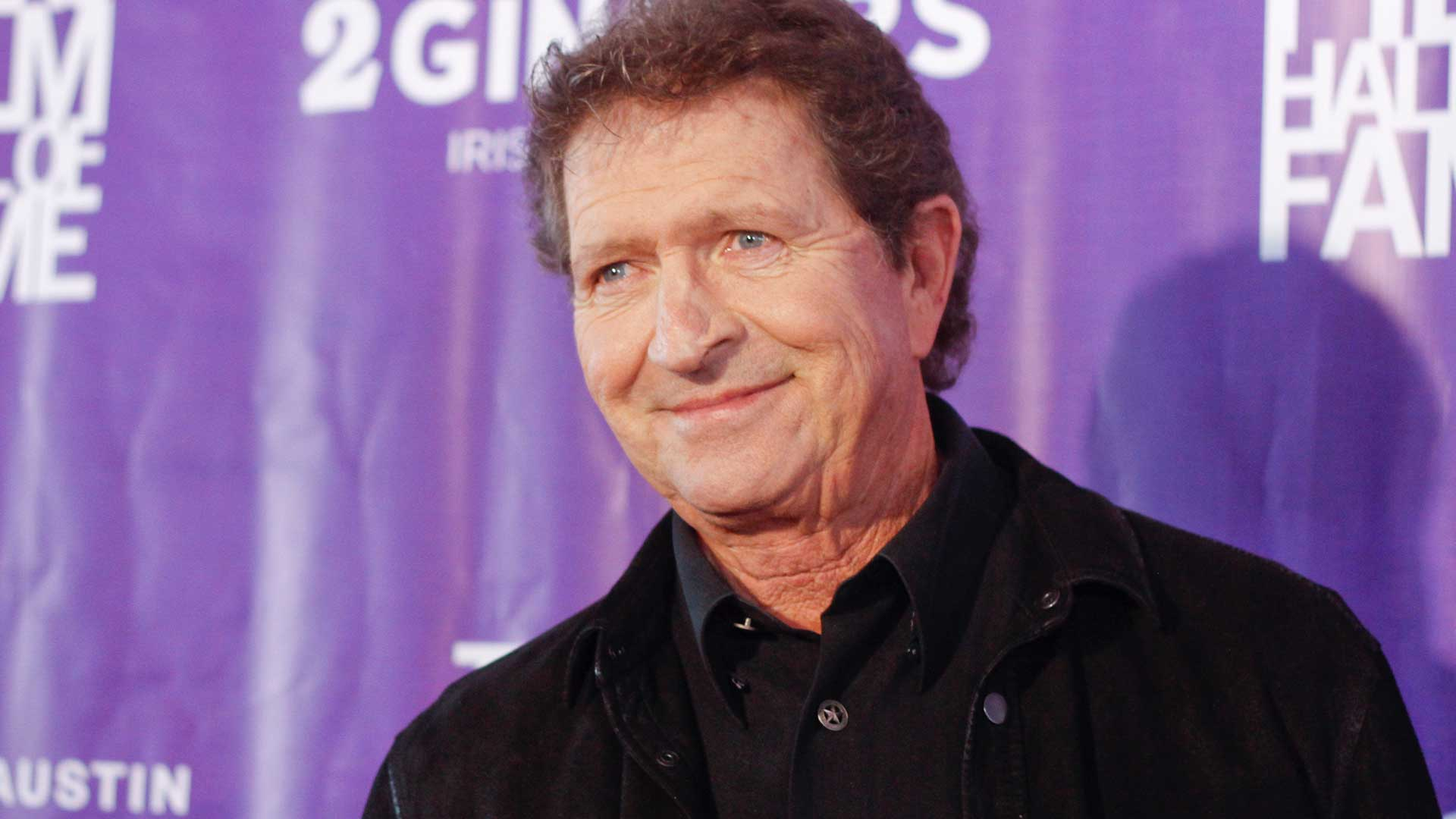 Country star and hit Elvis songwriter Mac Davis dies at 78