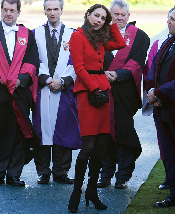 "<div class=""meta image-caption""><div class=""origin-logo origin-image ap""><span>AP</span></div><span class=""caption-text"">Kate Middleton talks with staff during a visit to St Andrews University, St Andrews Scotland, Friday, Feb. 25 2011. (AP)</span></div>"