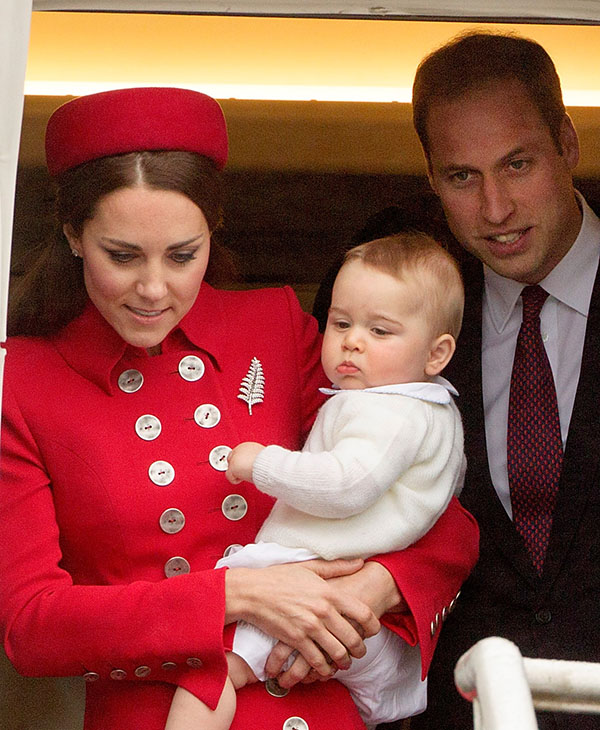 "<div class=""meta image-caption""><div class=""origin-logo origin-image ap""><span>AP</span></div><span class=""caption-text"">Britain's Prince William and Catherine, Duchess of Cambridge with Prince George arrive at the International Airport, Wellington, New Zealand, Monday, April 07, 2014. (AP)</span></div>"