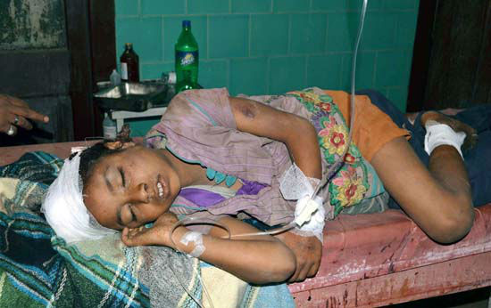 """<div class=""""meta image-caption""""><div class=""""origin-logo origin-image none""""><span>none</span></div><span class=""""caption-text"""">A school student receives treatment at a hospital after he was injured in an earthquake in Motihari, in the eastern Indian state of Bihar (Press Trust of India)</span></div>"""