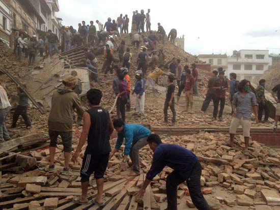 "<div class=""meta image-caption""><div class=""origin-logo origin-image none""><span>none</span></div><span class=""caption-text"">Volunteers help with rescue work at the site of a building that collapsed after an earthquake in Kathmandu (AP Photo/ Niranjan Shrestha)</span></div>"