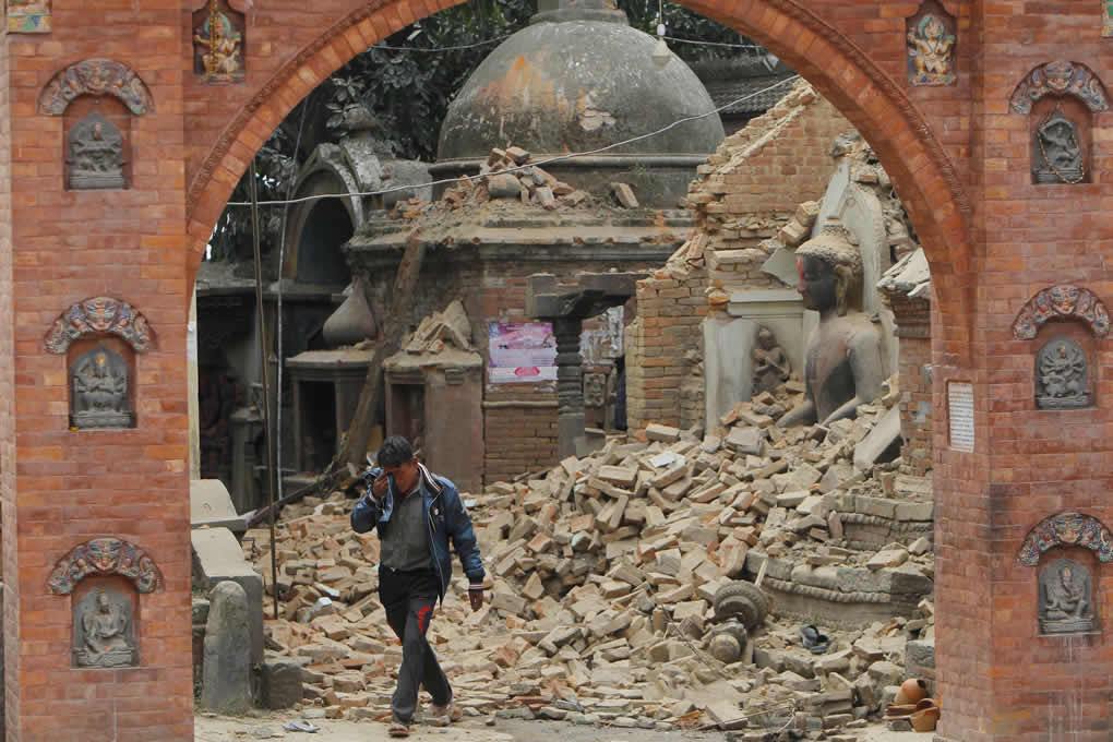 "<div class=""meta image-caption""><div class=""origin-logo origin-image none""><span>none</span></div><span class=""caption-text"">A Nepalese man cries as he walks through the earthquake debris in Bhaktapur, near Kathmandu, Nepal, Sunday, April 26, 2015. (AP Photo/Niranjan Shrestha)</span></div>"