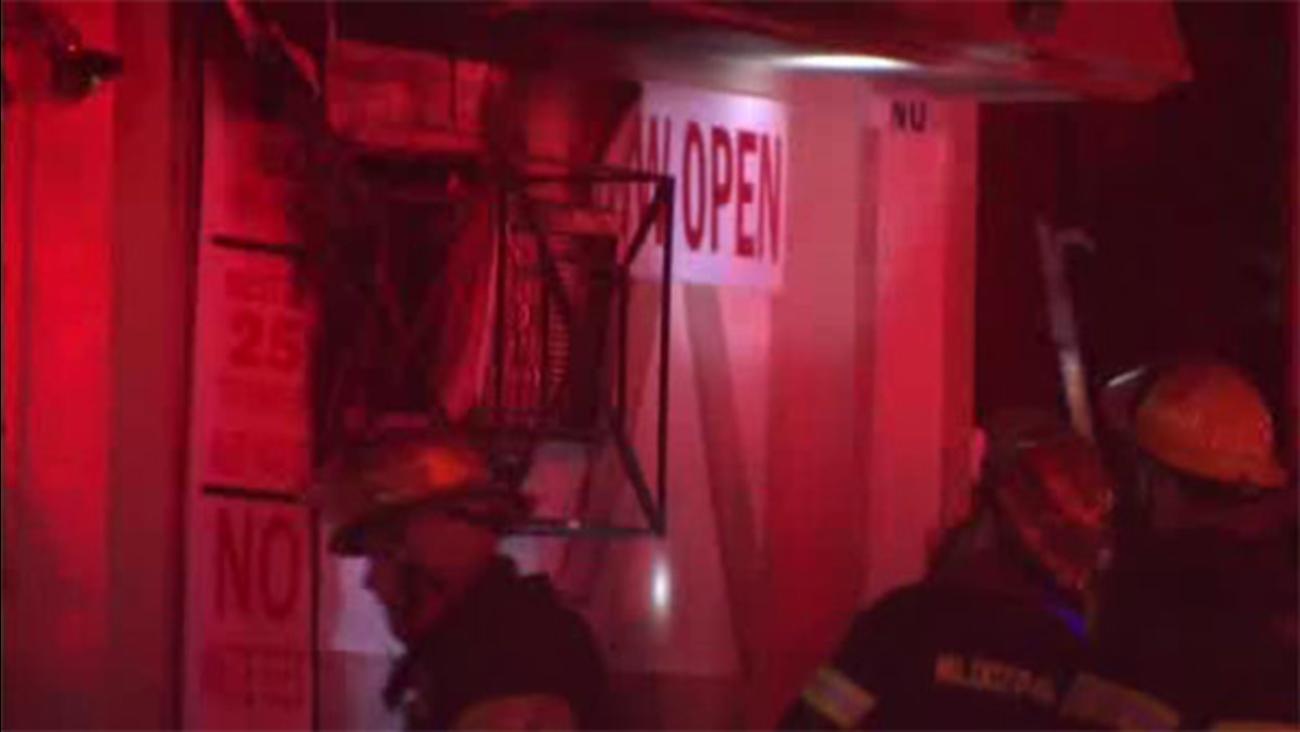 Fire damages bar in West Philadelphia