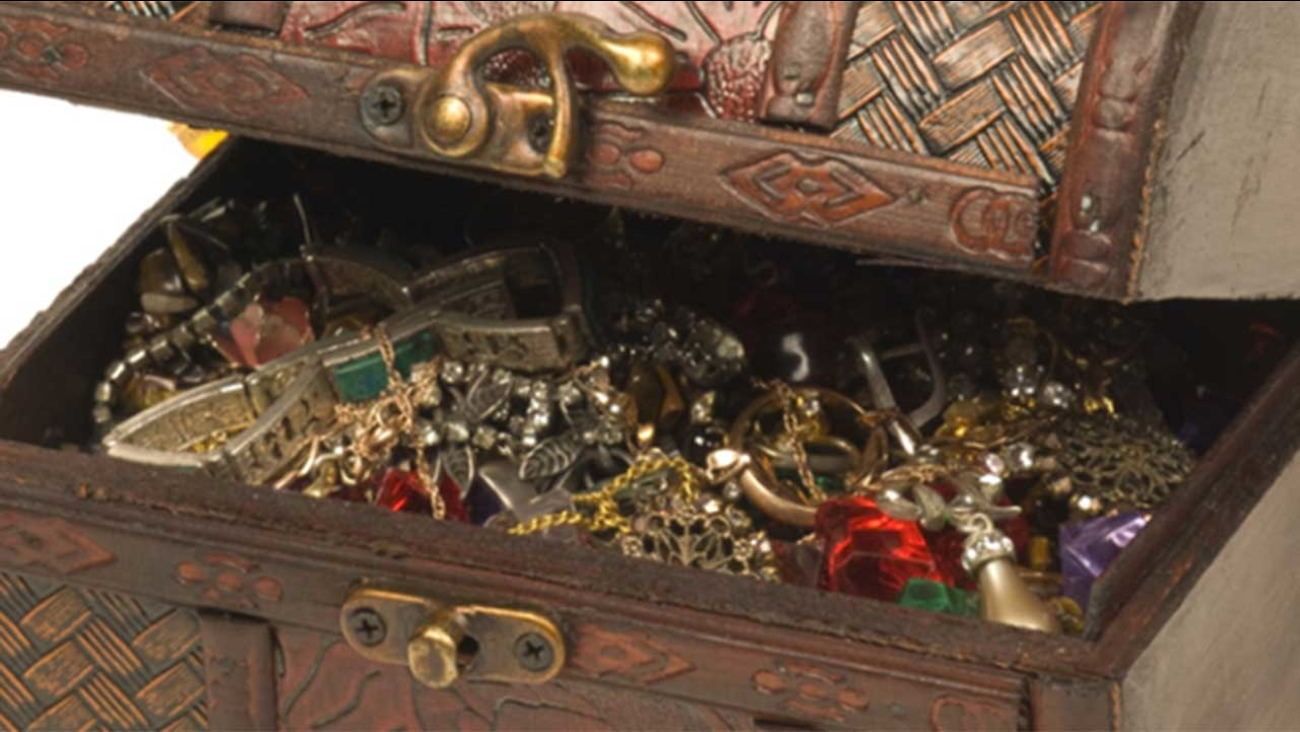 Millionaire leaves poetic clues for treasure hunters | abc13 com