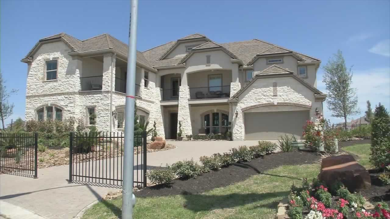 "<div class=""meta image-caption""><div class=""origin-logo origin-image ""><span></span></div><span class=""caption-text"">This five bedroom, four bathroom home in Katy, Texas is listed for just over $1 million.</span></div>"