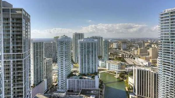 """<div class=""""meta image-caption""""><div class=""""origin-logo origin-image """"><span></span></div><span class=""""caption-text"""">This two bedroom, two bathroom unit in Miami, Florida is listed for $950,000. (Global Real Estate Brokerage L)</span></div>"""
