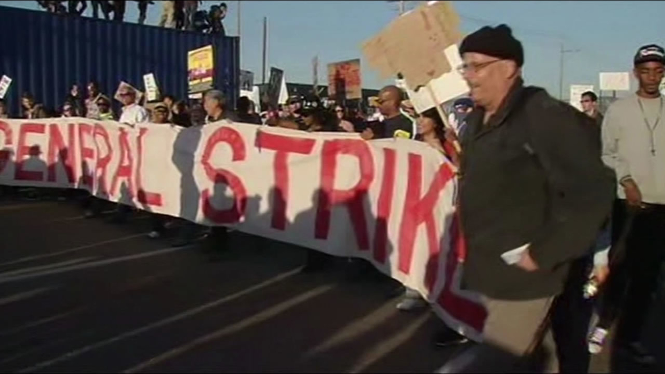 Demonstrators marched to the Port of Oakland on May Day in 2011.
