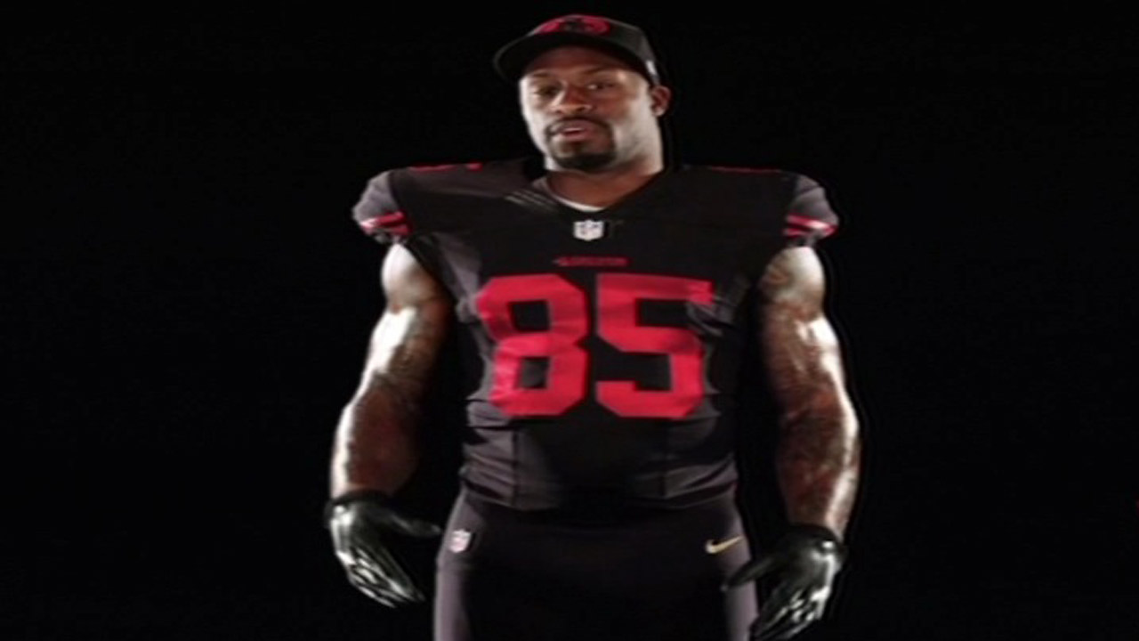 San Francisco 49ers Tight End Vernon Davis shows off team's black alternate uniform.