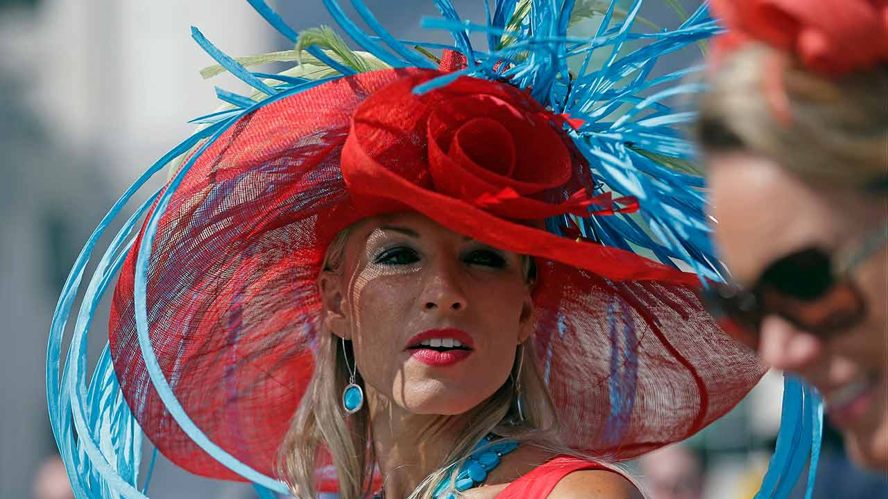 e137a9fa8d4d4 PHOTOS  Horses and hats at the 2015 Kentucky Derby