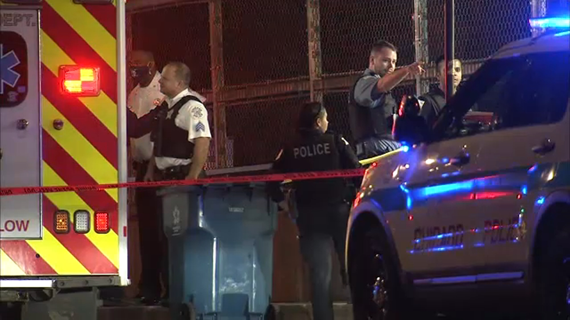 Chicago Shooting 4 Shot 1 Killed In West Garfield Park Victims Crash Into Cfd Vehicle Abc7 Chicago
