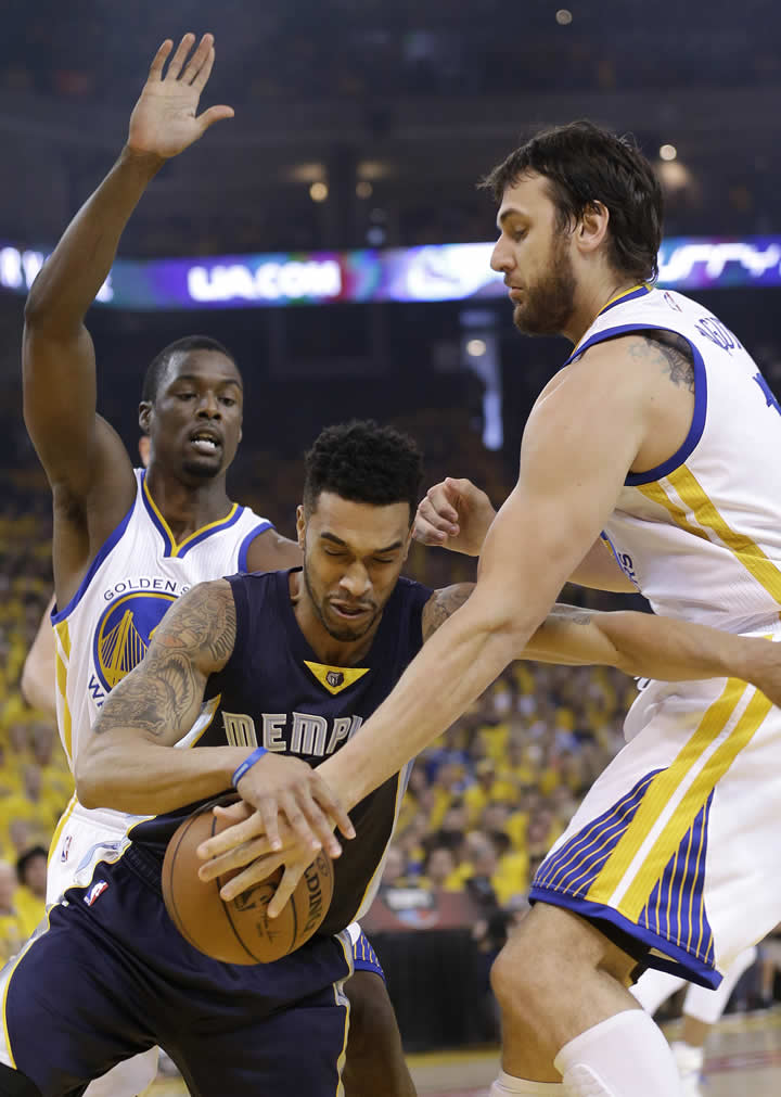 """<div class=""""meta image-caption""""><div class=""""origin-logo origin-image none""""><span>none</span></div><span class=""""caption-text"""">Grizzlies guard Courtney Lee dribbles against Warriors forward Harrison Barnes and Andrew Bogut during a second-round NBA playoff basketball series in Oakland, Calif., May 3, 2015. (AP Photo/Marcio Jose Sanchez)</span></div>"""