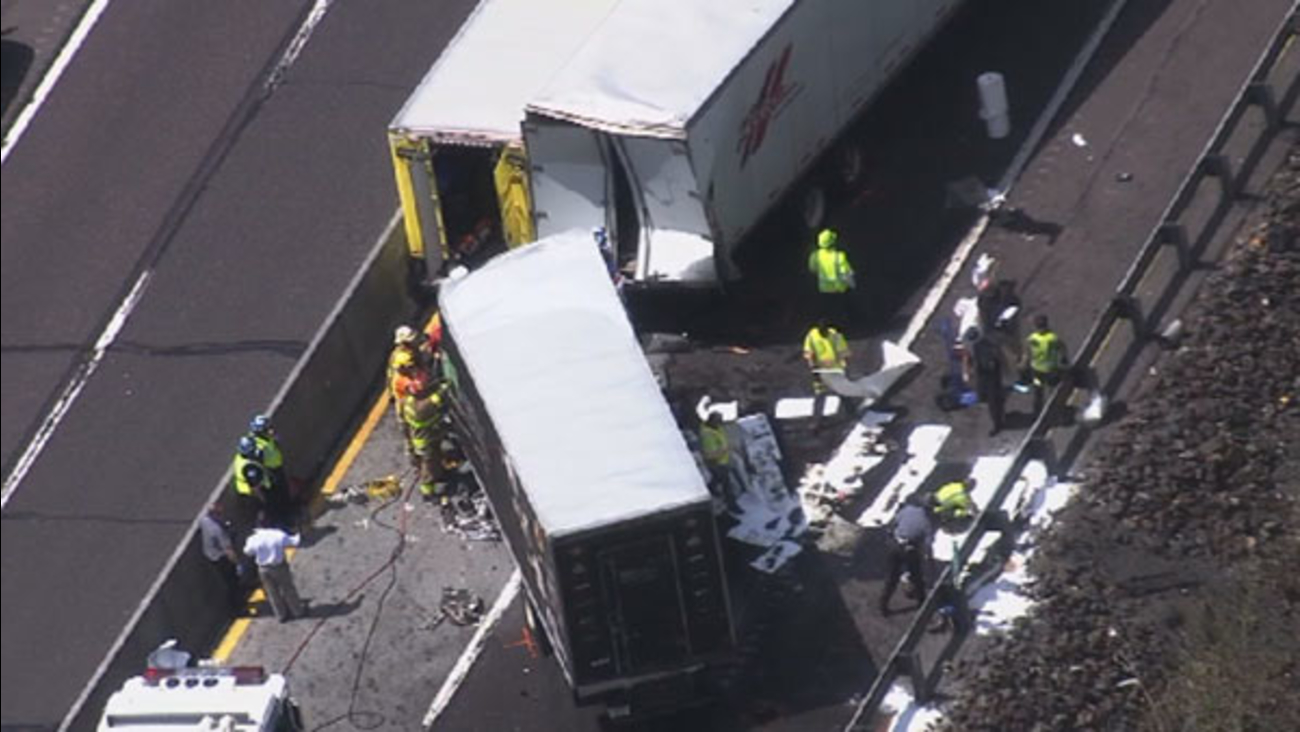1 dead after 2 trucks collide on the NE Extension