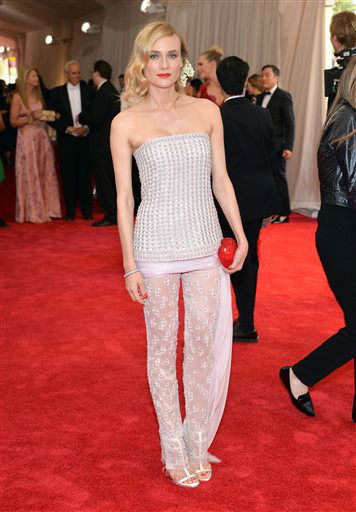 "<div class=""meta image-caption""><div class=""origin-logo origin-image none""><span>none</span></div><span class=""caption-text"">Diane Kruger arrives at The Metropolitan Museum of Art's Costume Institute benefit gala. (Photo by Evan Agostini/Invision/AP) (AP Photo/ Evan Agostini)</span></div>"