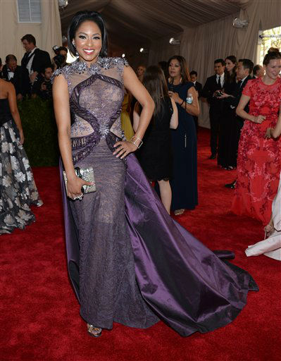 "<div class=""meta image-caption""><div class=""origin-logo origin-image none""><span>none</span></div><span class=""caption-text"">Alicia Quarles arrives at The Metropolitan Museum of Art's Costume Institute benefit gala. (Photo by Evan Agostini/Invision/AP) (AP Photo)</span></div>"