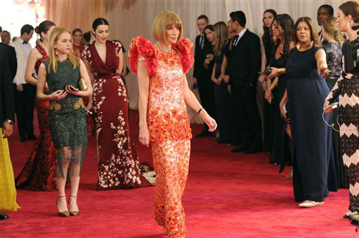 "<div class=""meta image-caption""><div class=""origin-logo origin-image none""><span>none</span></div><span class=""caption-text"">Anna Wintour arrives at The Metropolitan Museum of Art's Costume Institute benefit gala. (Photo by Evan Agostini/Invision/AP) (AP Photo/ Evan Agostini)</span></div>"