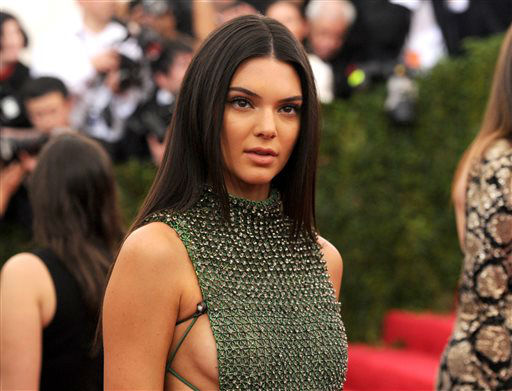"<div class=""meta image-caption""><div class=""origin-logo origin-image none""><span>none</span></div><span class=""caption-text"">Kendall Jenner arrives at The Metropolitan Museum of Art's Costume Institute benefit gala. (Photo by Evan Agostini/Invision/AP) (AP Photo/ Evan Agostini)</span></div>"