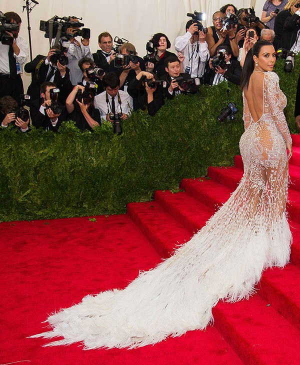 "<div class=""meta image-caption""><div class=""origin-logo origin-image none""><span>none</span></div><span class=""caption-text"">Kim Kardashian arrives at The Metropolitan Museum of Art's Costume Institute benefit gala on Monday, May 4, 2015, in New York. (AP)</span></div>"