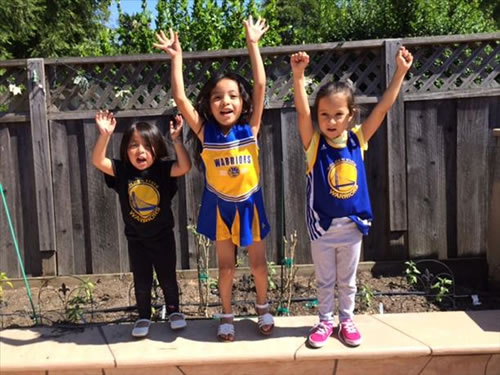 "<div class=""meta image-caption""><div class=""origin-logo origin-image none""><span>none</span></div><span class=""caption-text"">Some of the Warriors biggest little fans! Tag your photos on Facebook, Twitter, Google Plus, or Instagram using #DubsOn7! (Photo submitted via uReport)</span></div>"