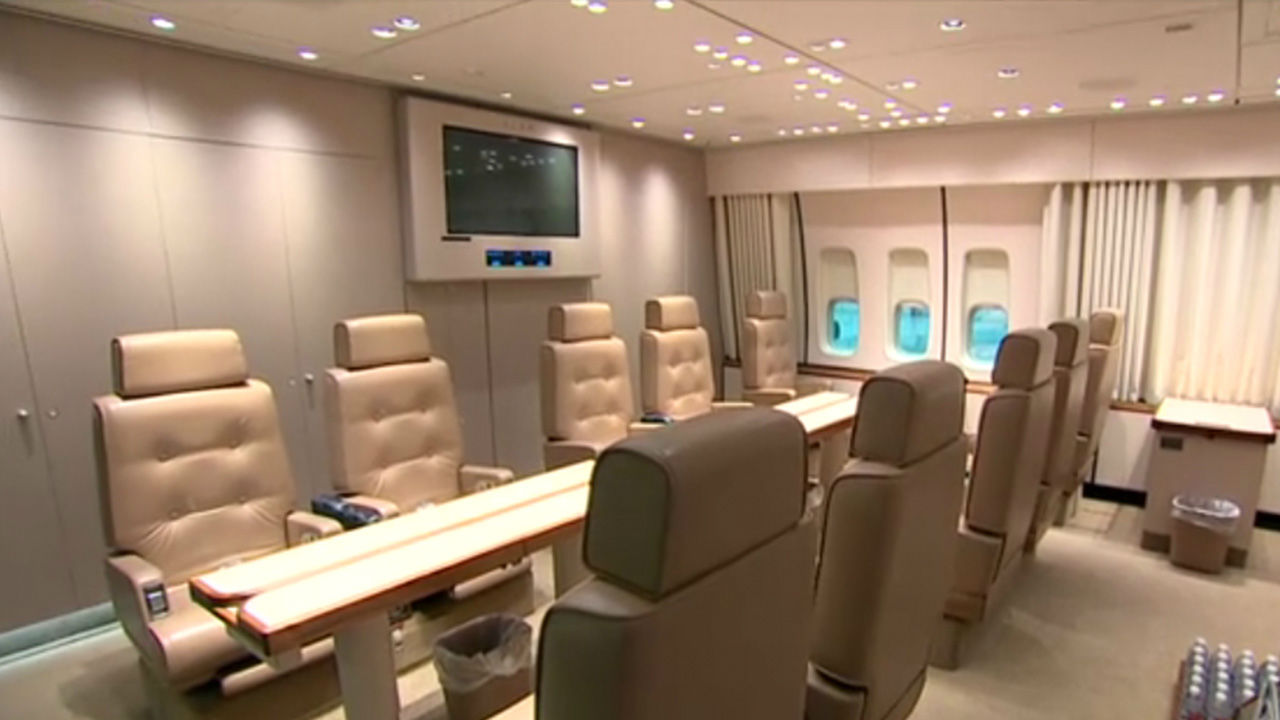 Photos Take A Look Inside The President S Personal Plane