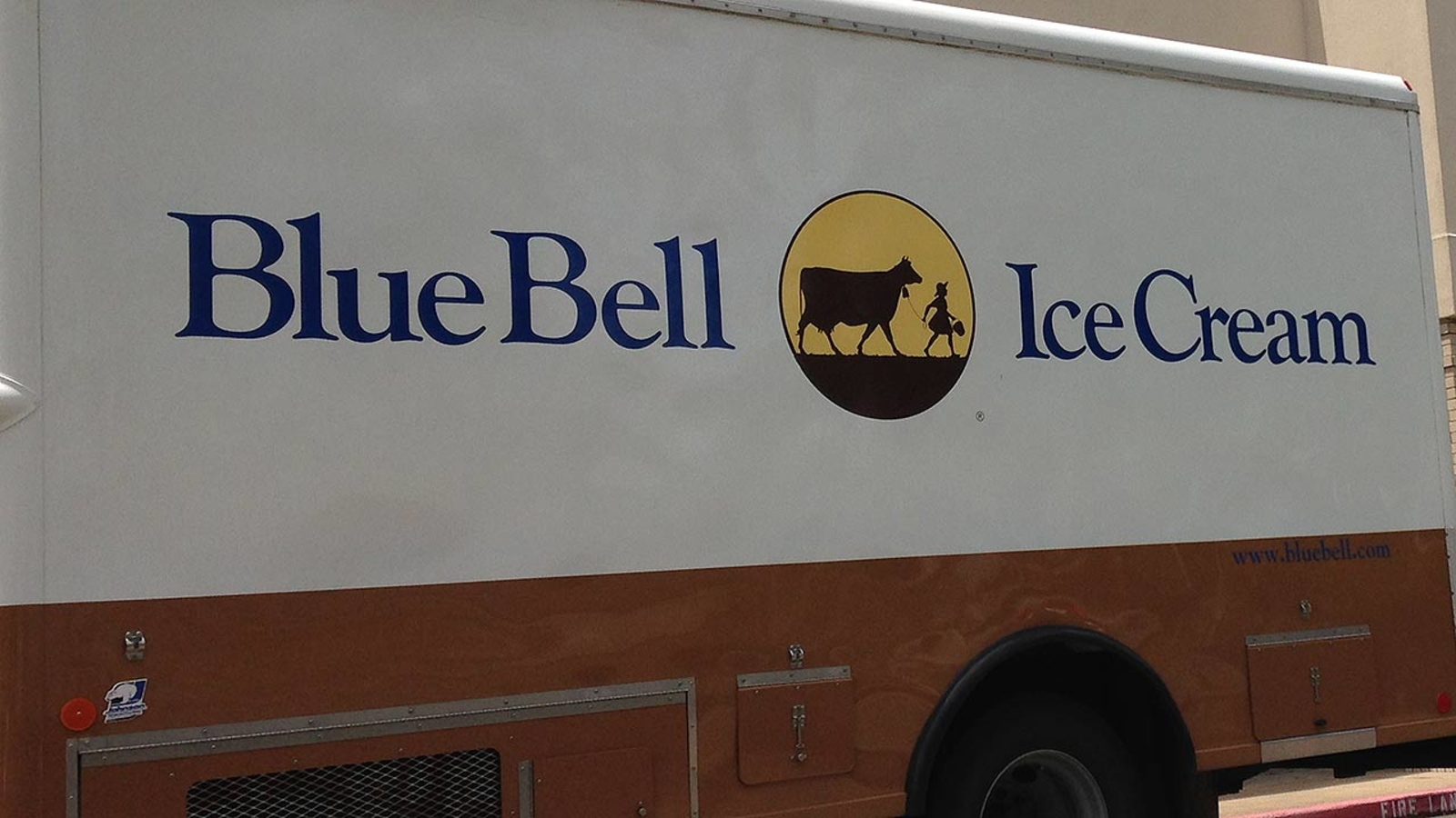 Former Blue Bell CEO charged with conspiracy for 2015 ...