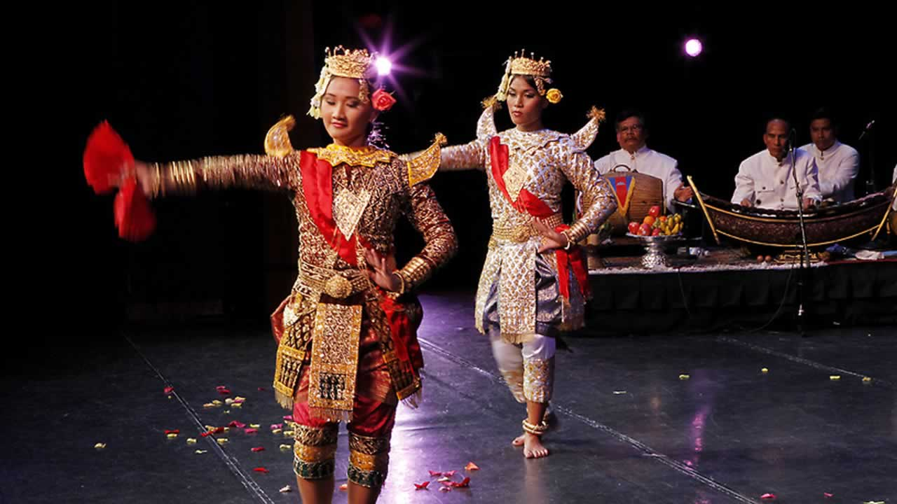 "<div class=""meta image-caption""><div class=""origin-logo origin-image ""><span></span></div><span class=""caption-text"">The Cambodian Cultural Dance Troupe, a program of the San Jose-based Cambodian American Resource Agency (CARA), brings the beauty of Cambodian traditions to Bay Area audiences. (CARA)</span></div>"