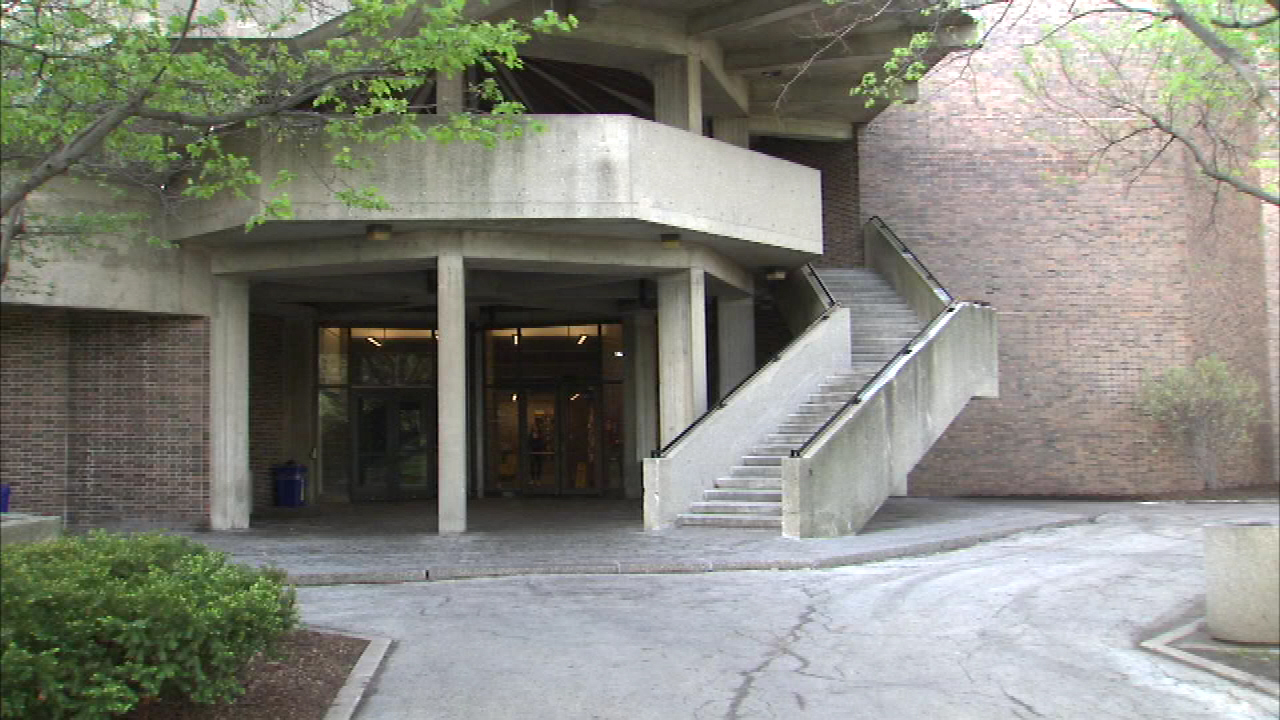 building at UIC