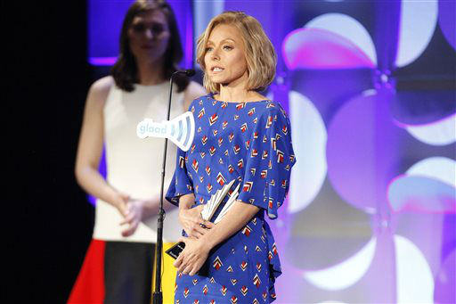"""<div class=""""meta image-caption""""><div class=""""origin-logo origin-image none""""><span>none</span></div><span class=""""caption-text"""">Kelly Ripa accepts an Excellence in Media Award at the 26th Annual GLAAD Media Awards at the Waldorf Astoria. (Photo by Andy Kropa/Invision/AP) (Photo/Andy Kropa)</span></div>"""
